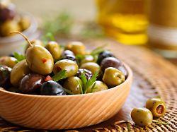 Wer braucht schon Klopapier: Spanier horten Oliven und Wein