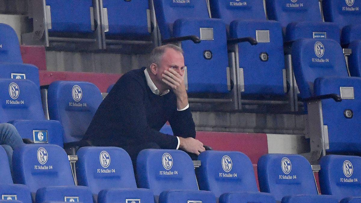 Klub kommentiert Gerüchte nicht:Schalke bereitet nächste Entlassung vor - n-tv NACHRICHTEN