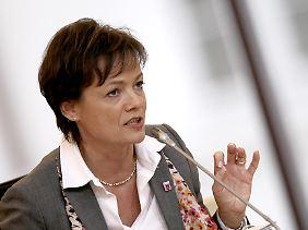 Hessens Umweltministerin Lucia Puttrich (CDU) weist Vorwürfe der Opposition zurück, die Landesregierung habe die Veruntreuung von Geld des Klosters Eberbach durch Hebgen vertuscht.