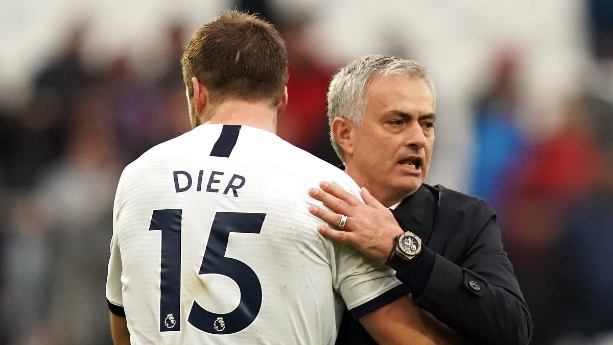 Kuriose Szene während Pokalspiel: Mourinho folgt Abwehrchef auf die Toilette
