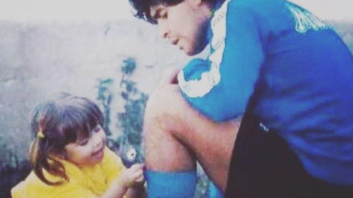 -Warte-dort-auf-mich-Maradonas-Tochter-nimmt-r-hrend-Abschied