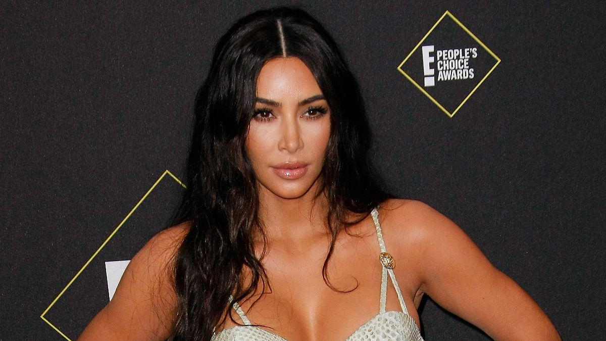 Erster Post nach Scheidungs-News:Kim Kardashian taucht wieder auf - n-tv NACHRICHTEN