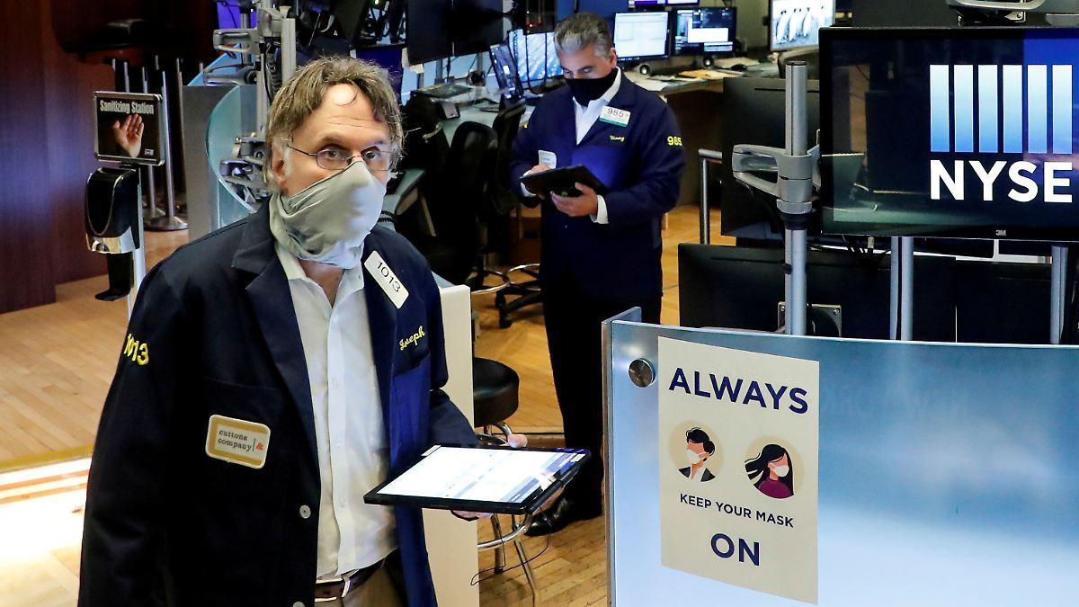 Aktien vor dem Crash?:Der Warren-Buffett-Indikator schlägt Alarm - n-tv NACHRICHTEN