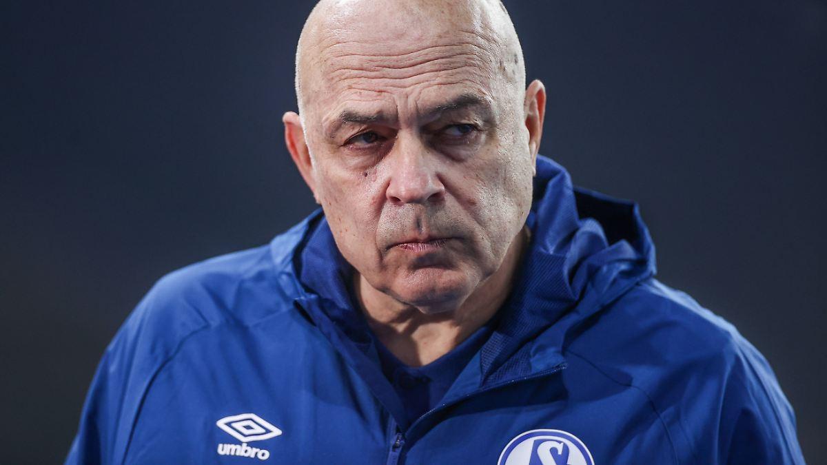 Führungsspieler unzufrieden:Schalke-Profis wenden sich gegen Gross - n-tv NACHRICHTEN