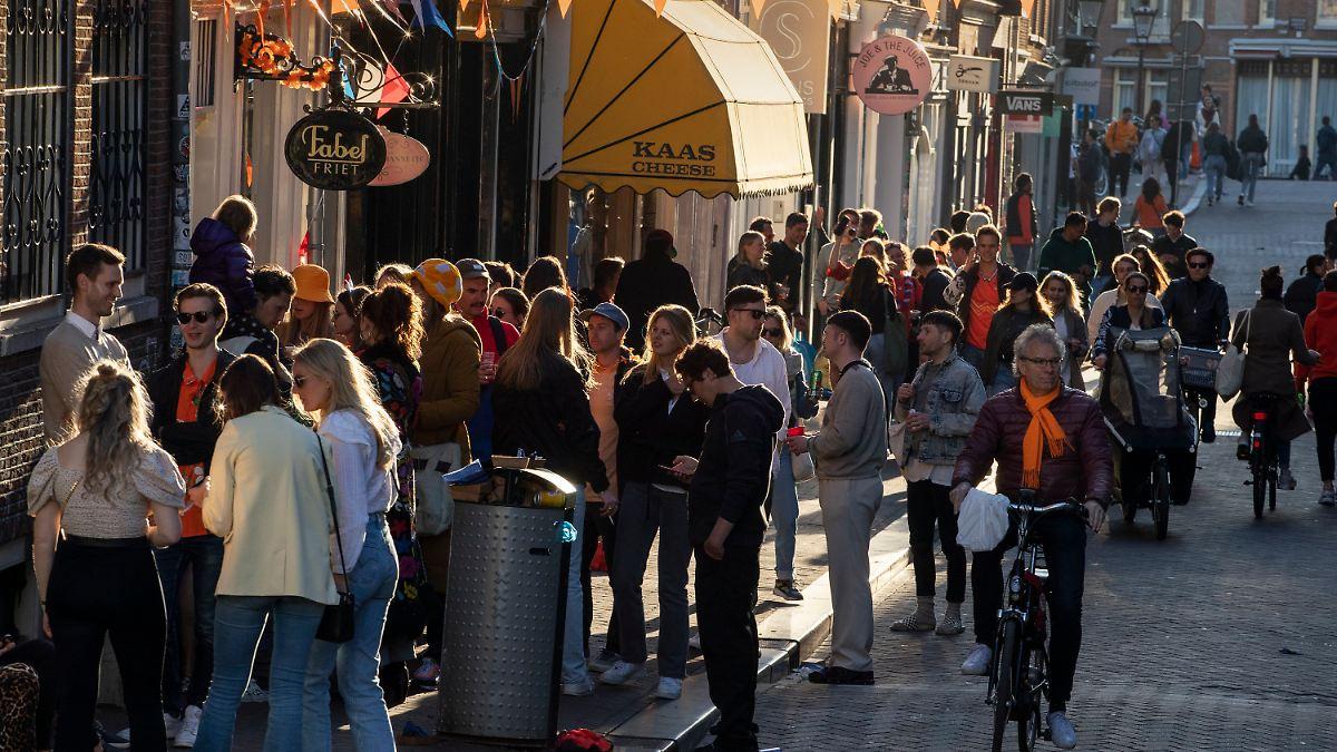 Ausgangssperre passé: Niederlande lockern trotz hoher Zahlen