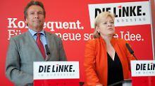 Das im vergangenen Mai gewählte Führungsduo Ernst und Lötzsch steht unter Beschuss.