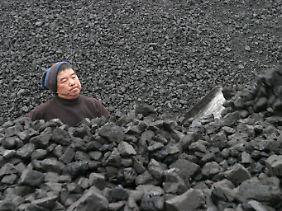 Die Atomkraft gilt in China als saubere Technologie. Sie soll die gigantischen Emissionswerte der Kohlekraft verringern helfen.