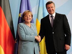 Angela Merkel ist nicht immer höchst erfreut über ihren Kollegen aus der Ukraine.