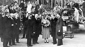 Königlicher Besuch bei Herbert Austin im Jahr 1940.