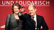 Die ganze SPD jubelt. Nur Scholz bleibt gefasst.
