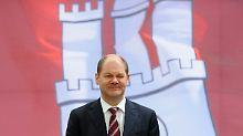 SPD-Politiker Scholz zieht nun in Hamburger Rathaus ein.