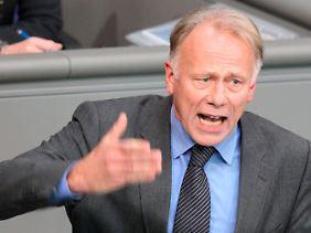 Grünen-Fraktionschef Trittin warf Guttenberg vor, mit zweierlei Maß zu messen.