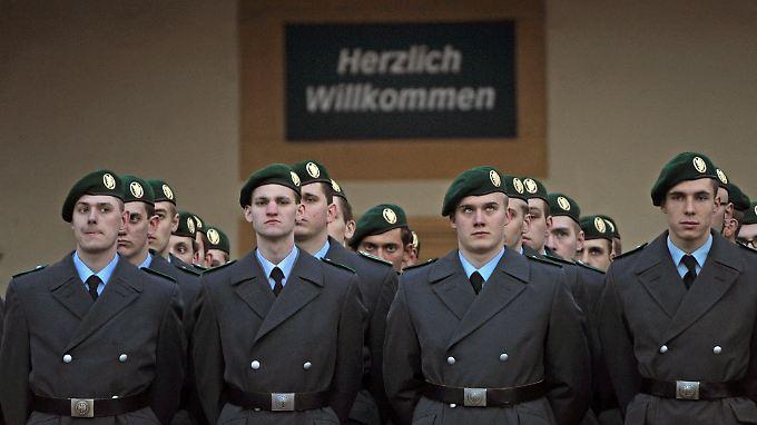 Die letzten Thüringer Wehrpflichtigen legen am 9. Februar auf Schloss Friedenstein in Gotha ihr Gelöbnis ab.