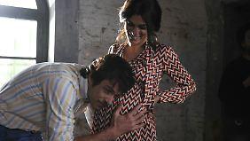 Die Kehrseite: Vallanzasca wird Vater, während er im Gefängnis sitzt. Im Bild Consuelo (Valeria Solarino) und Renato Vallanzasca (Kim Rossi Stuart).