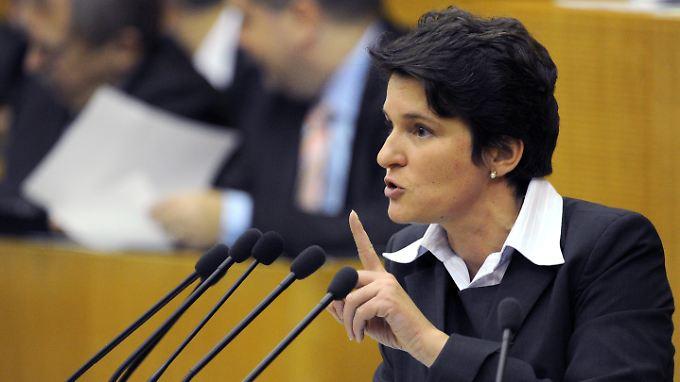 Tanja Gönner hält eine Abschaltung von Atomkraftwerken in Baden-Württemberg bereits vor der Landtagswahl am 27. März für möglich.