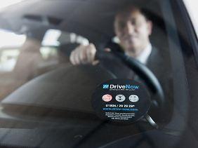 """""""DriveNow"""": Unter diesem Namen möchten BMW und Sixt von April 2011 an zunächst in München und später in Berlin ein gemeinsames Car-Sharing-Konzept anbieten."""