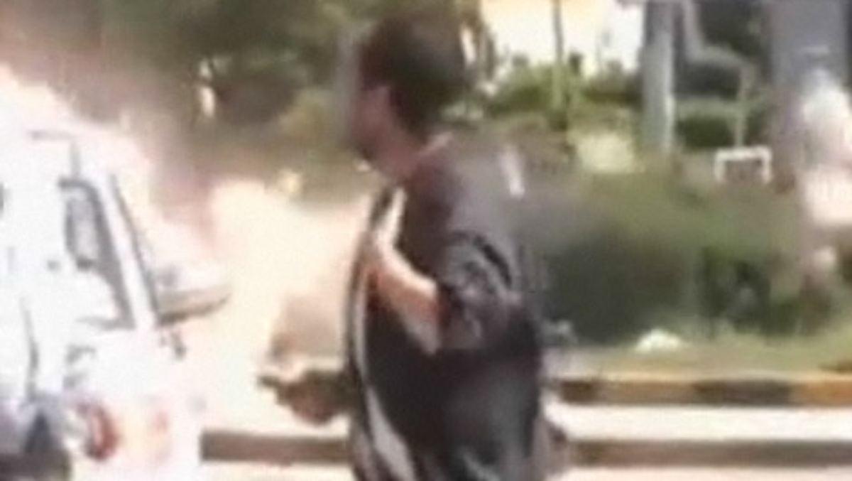sind die bilder aus libyen echt amateurvideo zeigt bombeneinschlag n. Black Bedroom Furniture Sets. Home Design Ideas