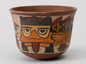 Dieser Napf aus der mittleren Nazca-Kultur gibt Rätsel auf.