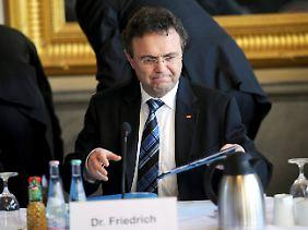 Innenminister Friedrich leitet erstmals die Islam-Konferenz.