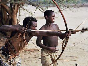 Die Hadza in Tansania gehören zu den wenigen Volksgruppen, die heute noch als Jäger und Sammler leben.