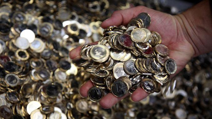 Ausgeklügeltes Betrugssystem: Stewardessen schmuggeln Münzen