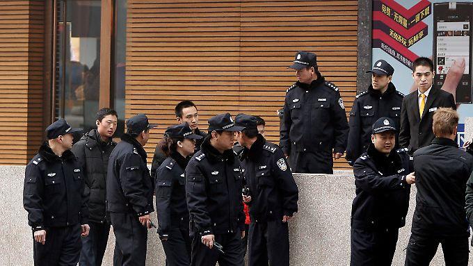 Sicherheitskräfte sind allgegenwärtig in Peking.