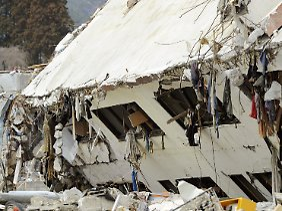 Die Trümmer vom 11. März sind auch in Onagawa noch längst nicht beseitigt.