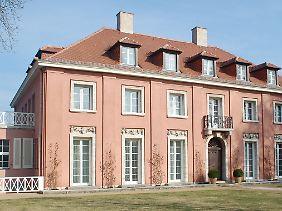 In diesem von Mies van der Rohe entworfenen Haus wohnte während der Potsdamer Konferenz Winston Churchill.
