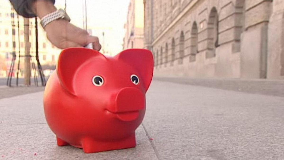 Mit unserem Inflationsrechner können Sie schnell ausrechnen, wie sich die Geldentwertung auf Ihr Kapital auswirkt, auch historisch. Dabei ist es egal um welche Währung es sich handelt: Sie können den Online Rechner für Berechnungen zu Euro, Dollar, Schweizer Franken nutzen.