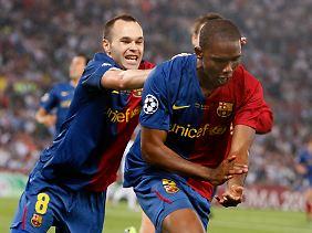 In Feierlaune: Torschütze Samuel Eto'o und Vorlagengeber Andrés Iniesta nach dem 1:0.