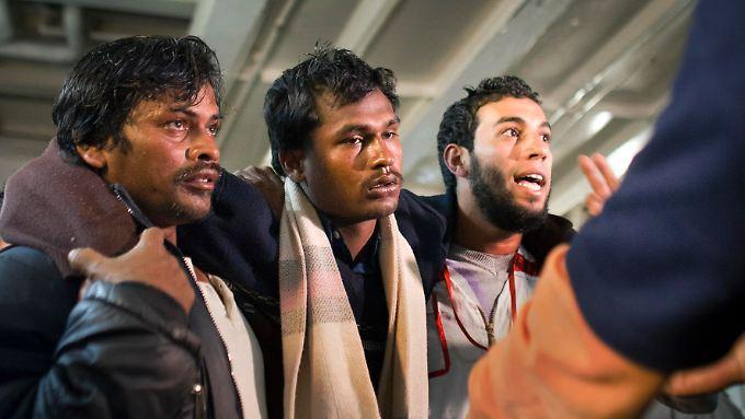 Schwere Kämpfe in Misrata: Gaddafi setzt Streubomben ein