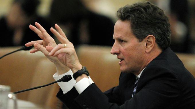 """""""Weil er muss. Sie werden damit kein Spiel treiben, denn die grundlegende Kreditwürdigkeit der USA darf nicht in Frage gestellt werden"""", sagte Geithner."""