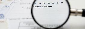 Prüfen und Belege nachreichen: Wenn der Steuerbescheid nicht stimmt