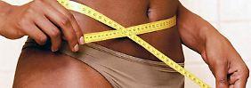 Ständiges Maßnehmen - der Grundstein für Magersucht und andere Essstörungen kann bereits im Kindesalter gelegt werden.