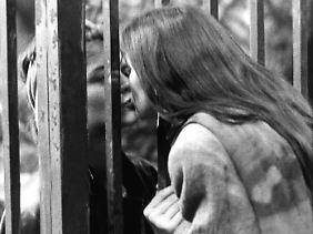 Abschiedskuss durch den Zaun am am 30. September 1989.