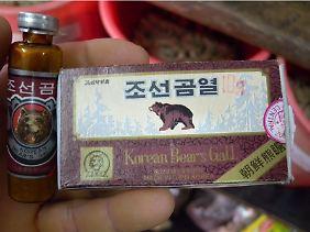 Pulver aus Bärengalle aus Nordkorea: Bärengalle als Heilmittel ist in Asien nach wie vor so populär, ...
