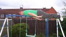 Alle Welt legt sich in Hab-acht-Stellung: Planking - ein Hype mit Risiken