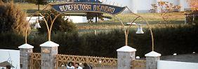 """Haupttor der Siedlung """"Colonia Dignidad"""" im Jahr 1988."""