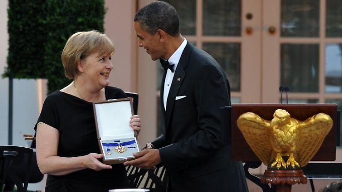 """Merkel mit Obama: """"Diese Auszeichnung ist ein wirklich sehr bewegender Moment."""""""