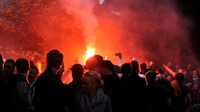 Randale in Wuppertal: Facebook-Party fordert Polizeieinsatz