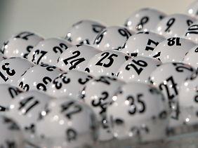 Die Zahl der Lotto-Millionäre fällt kaum ins Gewicht.