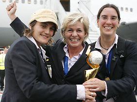 Für den WM-Titel 2007 hatten Neid und ihre Spielerinnen eine Prämie von 50.000 Euro erhalten.