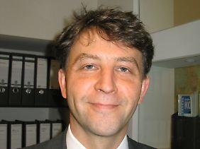 Prof. Dr. Thomas Gaube ist Leiter des Fachgebiets VWL/Finanzwissenschaft an der Universität Osnabrück.