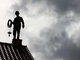 Künftig dürfen Hausbesitzer selbst entscheiden, wer ihnen aufs Dach steigt.