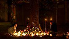 Hunderttausende trauern um die Opfer der Attentate: Norwegen füllt die Straßen mit Liebe