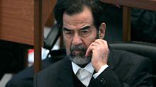 Saddam Hussein während des Prozesses gegen den ehemaligen Diktator.