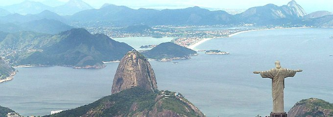 Rio de Janeiro liegt an der Guanabara-Bucht im Südosten des Landes.