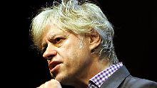 Geldof appelliert an Bundeskanzlerin Merkel, sich stärker an den finanziellen Hilfen für die Hungernden am Horn von Afrika zu beteiligen.