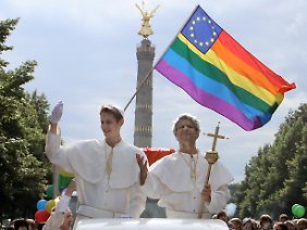 Widerstand gegen den Besuch kommt vor allem aus der Schwulen- und Lesbenbewegung.