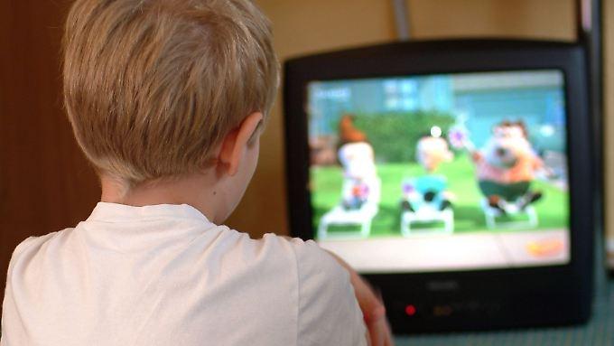 Der Inhalt des Fernsehprogramms ist laut der Studie nicht allein verantwortlich für das spätere Verhalten - prägend ist vor allem die Vereinsamung des Kindes vor dem Fernseher.